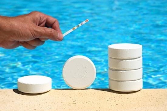 Nồng độ Clo cao trong nước bể bơi có thể là một trong các nguyên nhân gây viêm mũi xoang